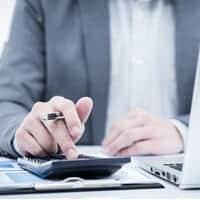 מה חשוב לבדוק לפני פתיחת חשבון מסחר והשקעות?