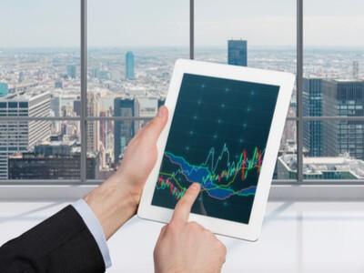 מסחר בחוזים עתידיים ומסחר בבורסה