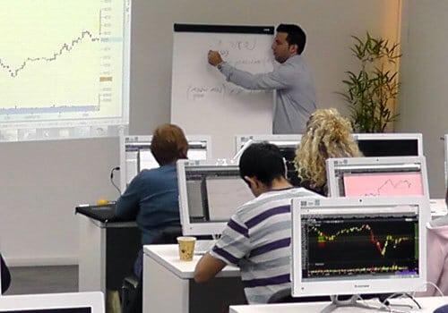 כיתות לימוד שוק ההון למתחילים