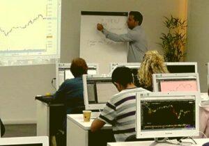 ללמוד על הכנסה פסיבית בקורס נדלן